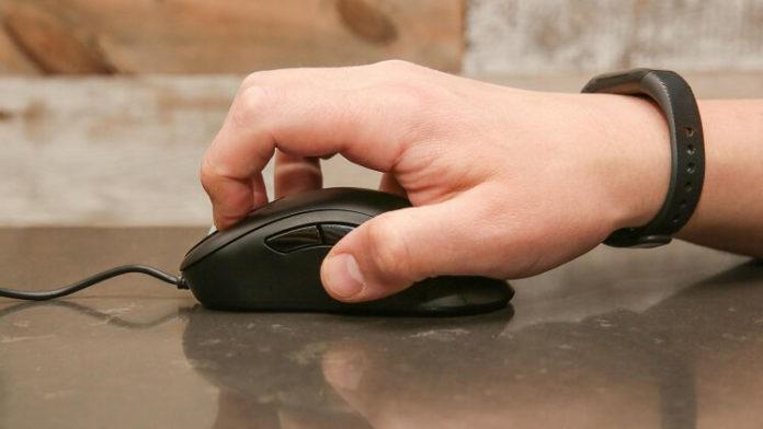 Impugnature del mouse: palm vs claw vs fingertip grip